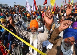 Indian Farmers' agtiation exposes perils of corporatization of agriculture