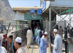 TALIBAN CLOSE PAK-AFGHAN BORDER CROSSING FOR PEDESTRIANS